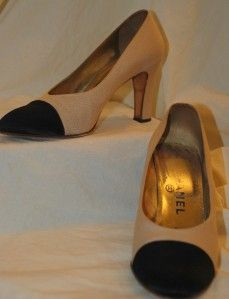 Chanel Black and Beige Silk Peau Du Soir Spectator Pumps 39 8 5