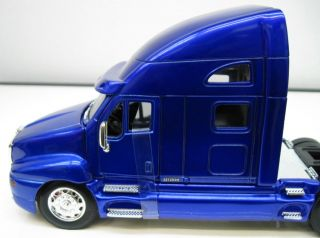 Jada Hot Rigz Kenworth T2000 Semi Truck Purpleblue 1 32
