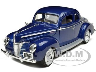 1940 Ford Deluxe Blue 1 18 Diecast Model Car by Motormax 73108