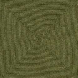 Hand woven Reversible Green Braided Rug (8 Square)